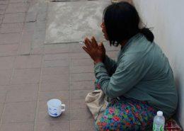 beggar-